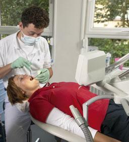 controle gebit voor bleeklepel
